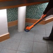 iVo-Power-Brush-XL-Awkward-Space-Cleaning