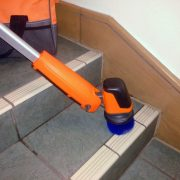 iVo-Power-Brush-XL-Stairs-Cleaning-2