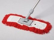 Dust Magnet 40cm complete with sweeper head – red