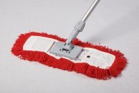 Dust Magnet 40cm complete with sweeper head - red